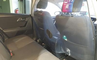 Interior d'un taxi en època de COVID-19 | Roger Benet