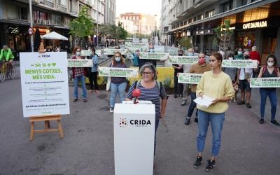 Nani Valero i Alba Collado han llegit el manifest | Àlex Meyer
