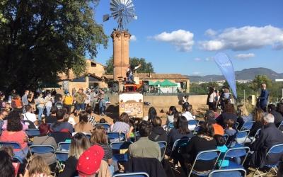 Unes 3.000 persones omplen la Masia de Can Deu per la Festa de la Tardor