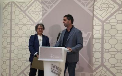 Joana Soler i Carles de la Rosa fent la presentació aquest matí | Ràdio Sabadell