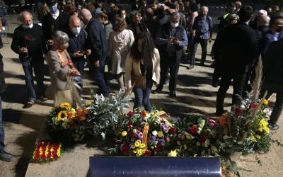 Ofrena floral al monument de Companys | Ràdio Sabadell