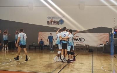 Els jugadors del CNS vòlei celebrant un punt | Sergi Park