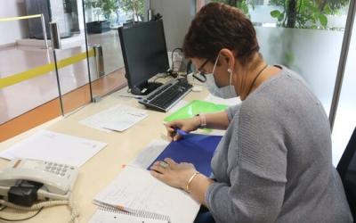 Una treballadora del rectorat de la UAB | ACN