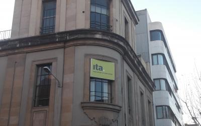 Façana del centre ITA al carrer República | ITA